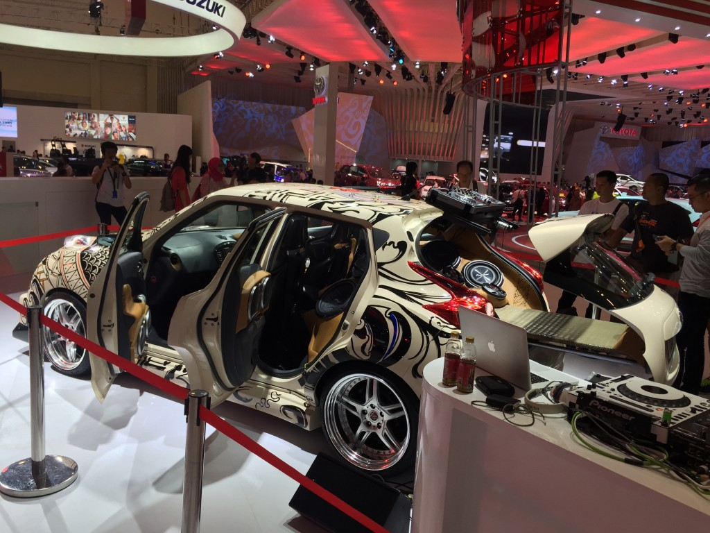 Nissan Juke Tattoo at Nissan Main Booth GIIAS 2015