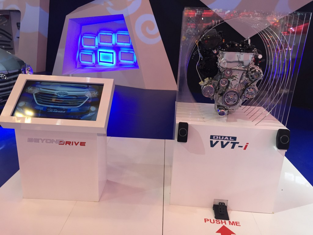 Dual VVTI Engine Display, Signal Smart Tech mengenmbangkan sistem softmare yang memudahkan penyampain produk kepada pengunjung GIIAS 2015
